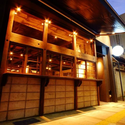 The atmosphere of the adult tavern is based on the mood! The skewaki including authentic char-grilled vegetable rolls is outstanding! I am waiting for you to visit us!