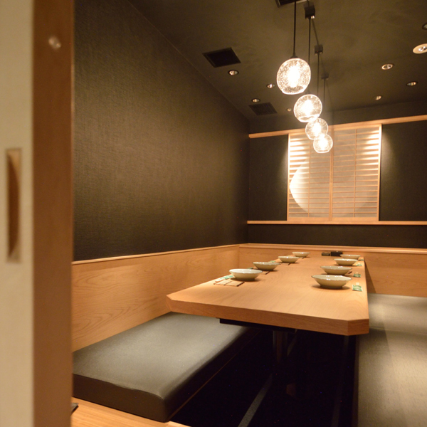 We have a number of complete private rooms with VIP door.It is a very popular seat that will be buried soon by reservation.Please feel free to contact the Omiya store first.We also have all you can drink together with a la carte.Reservations can be made for only seats.We look forward to your reservation.