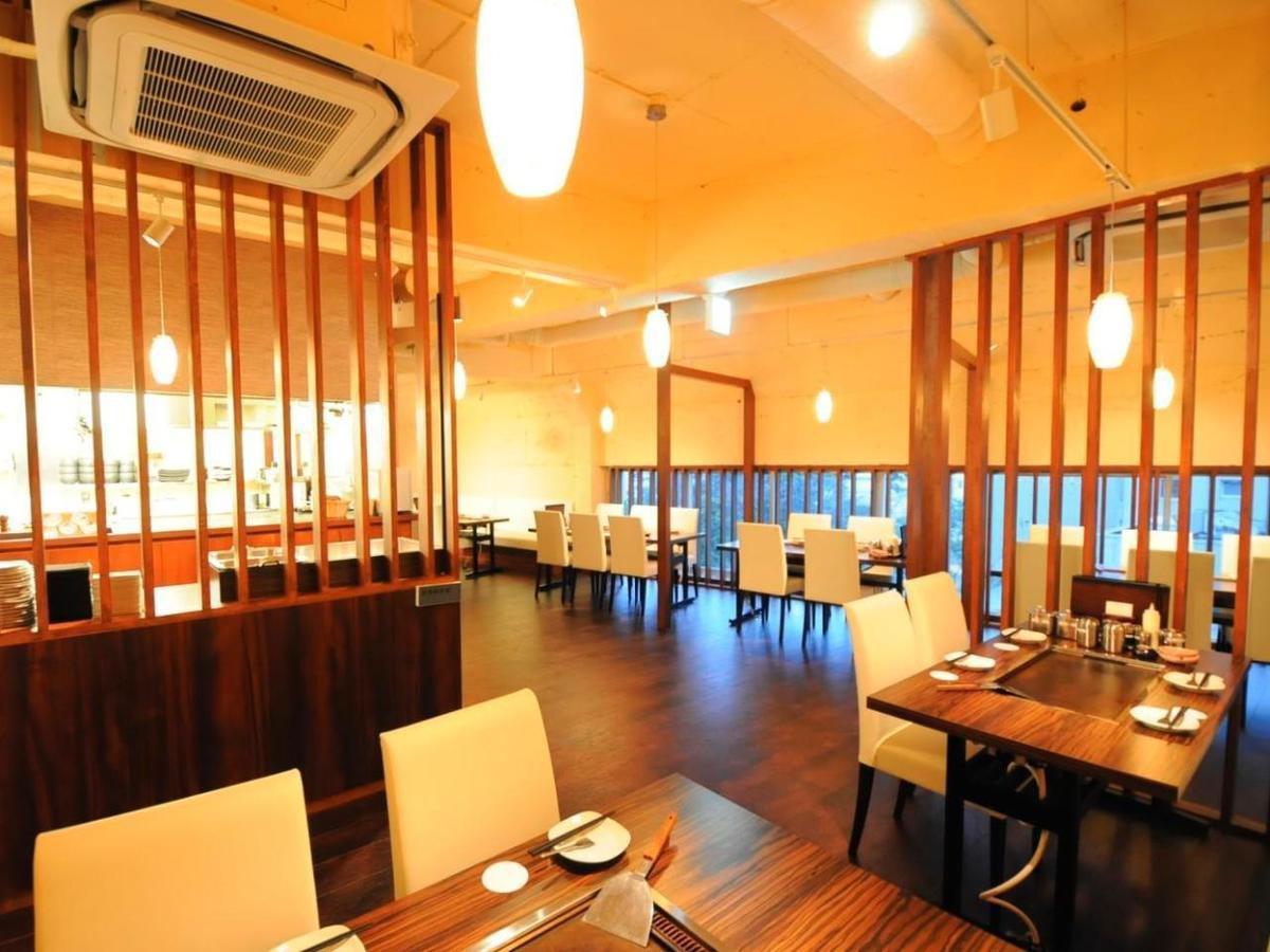 Okonomiyaki party in a beautiful shop ★