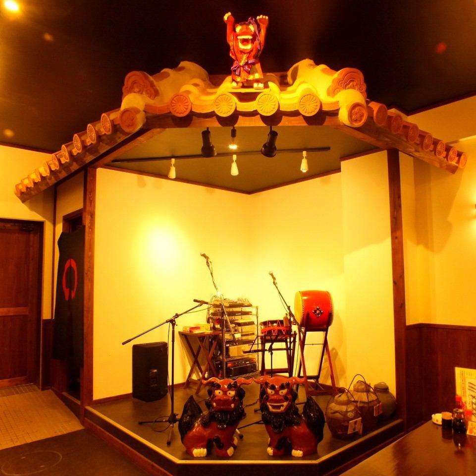 大人から子供まで楽しめる島唄ライブをご家族でお楽しみ下さい!