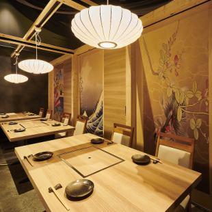 日式現代包房可容納10至12人(配備燒烤無菸燒烤爐)