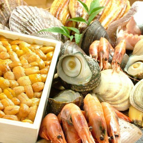 築地から直送の鮮魚料理。コースは3980円~。
