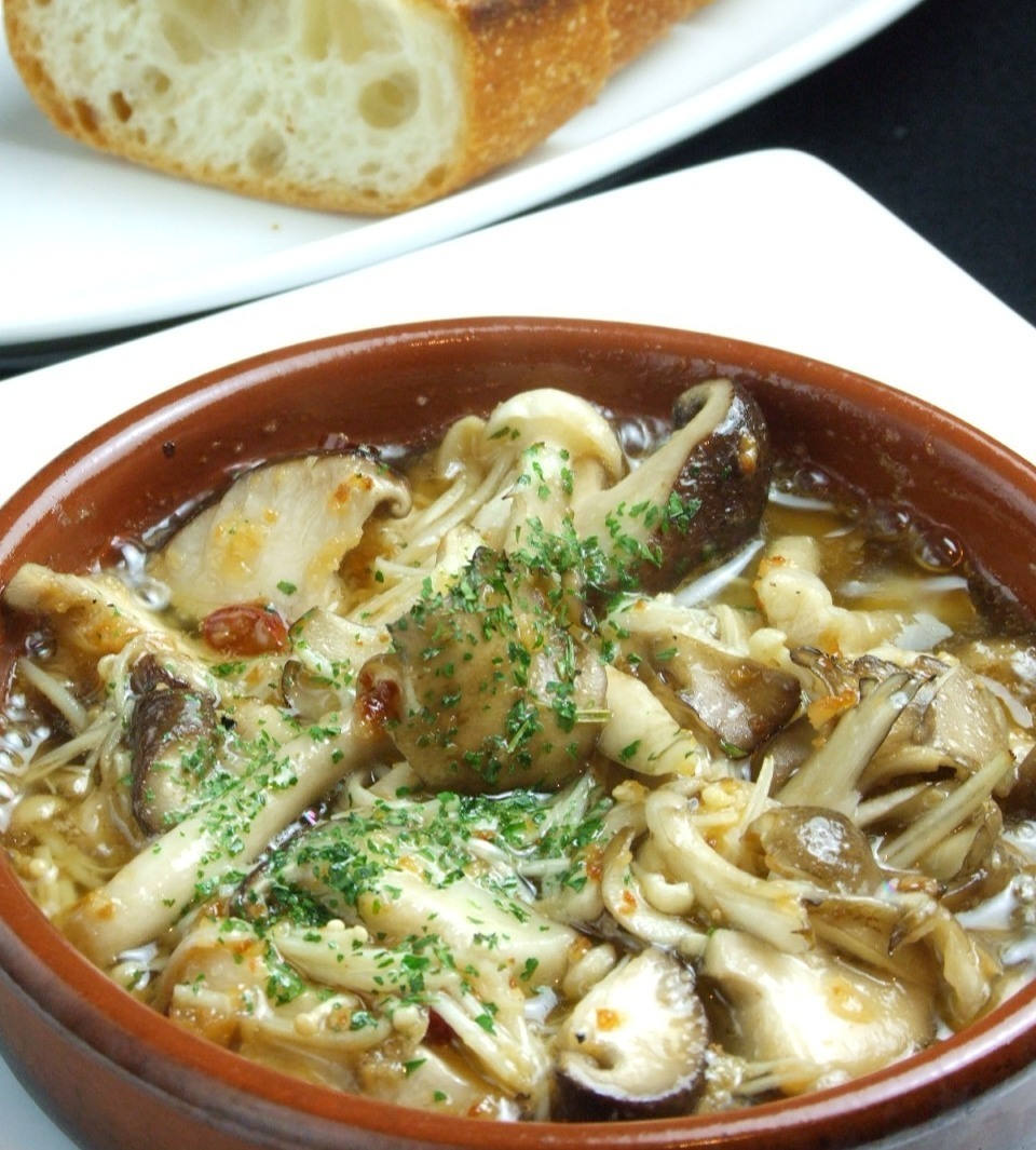 Simmered mushrooms with garlic oil