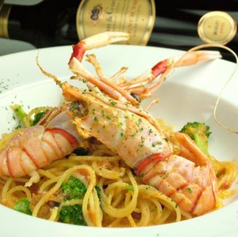 Scampi of tomato cream pasta