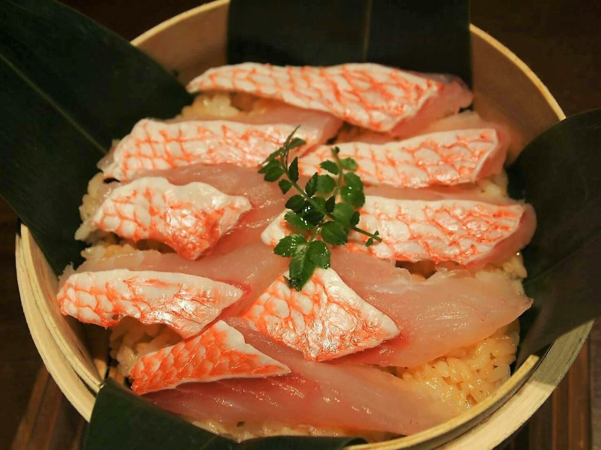 Steamed rice with Kei sauce of red sea bream
