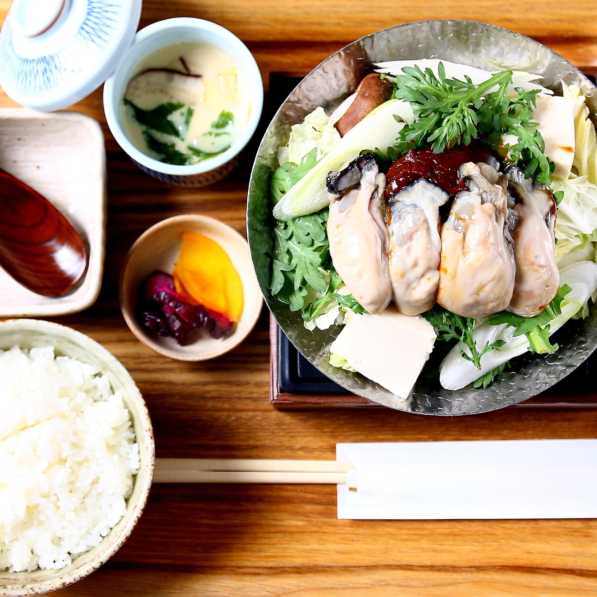 牡蠣の味噌鍋御膳