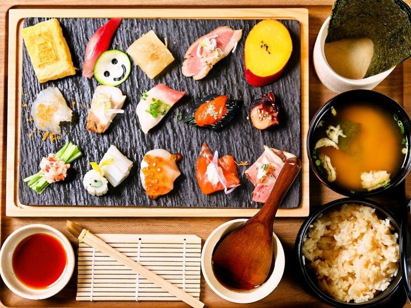 《一日限定10食》ミチノイエ名物!北海道手織り寿司~自分スタイルの手巻き寿司~