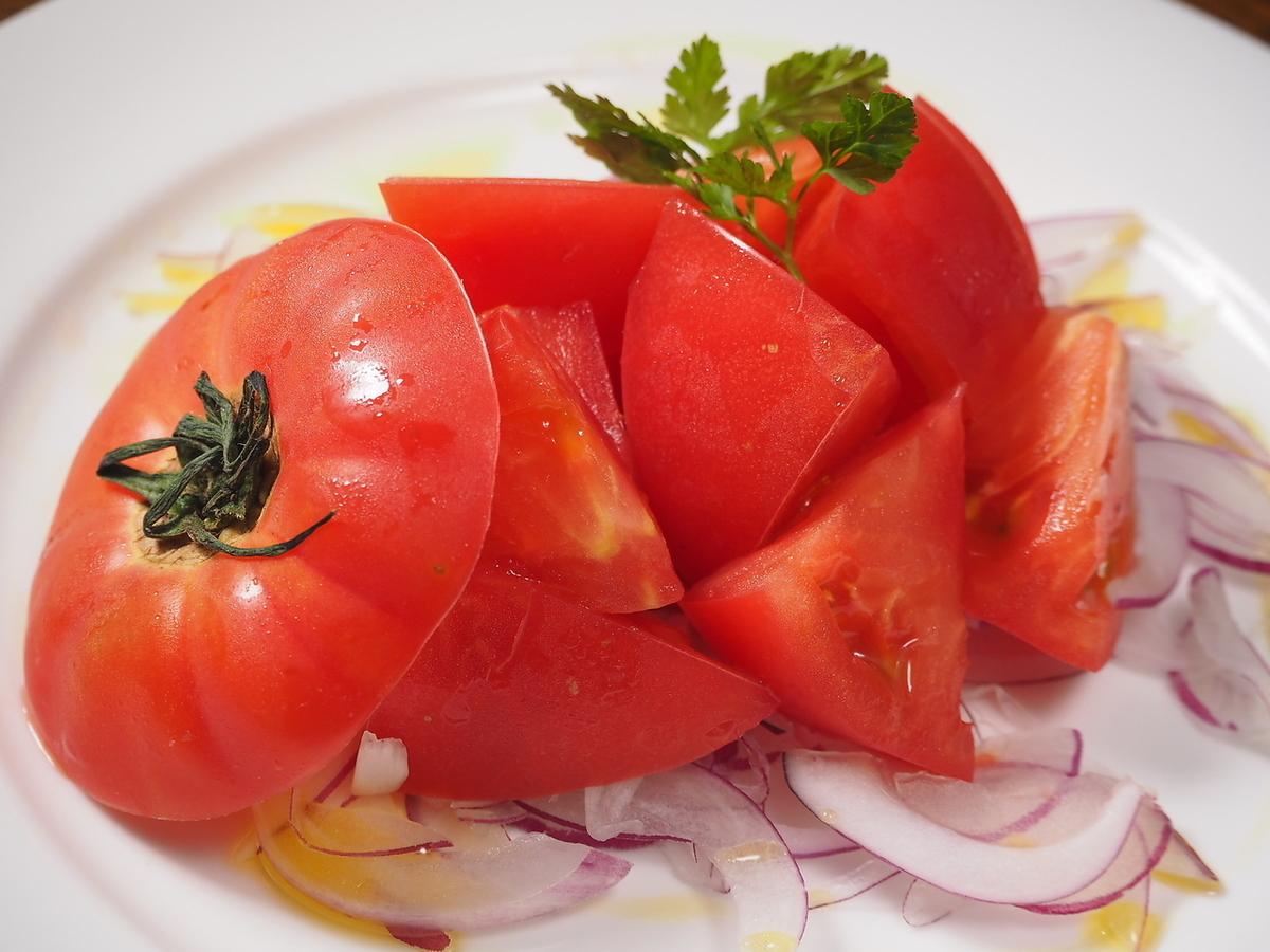 新鮮冷卻的西紅柿