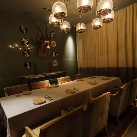 ◎女子协会和生日聚会的私人房间,比较♪我们很高兴地通知你在一个不错的空间的令人难忘的派对。请享受来自着名酒店的厨师在大人的周年纪念和婚礼的第二方等时尚空间中行事的正宗意大利厨师。根据现场情况,包括全友畅饮课程等在内的课程都很丰富。