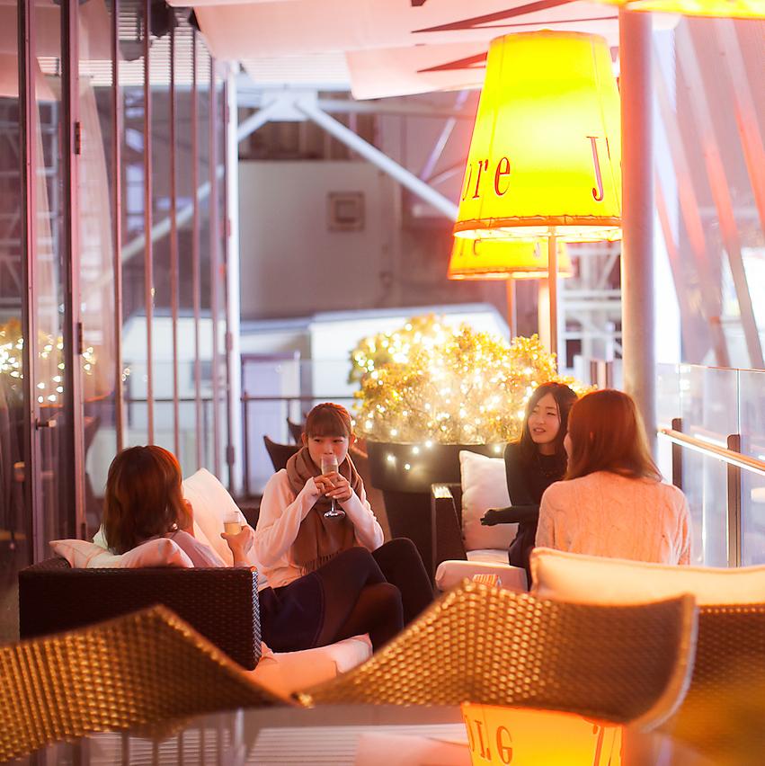 您可以享受8F的城市景觀(總共20個座位)