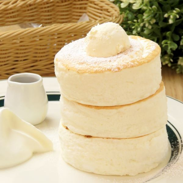 Fluffy mouth melt Newly eating pancake 950 yen ※ Each time 20 meals only 【11: 00/15: 00/18: 00】