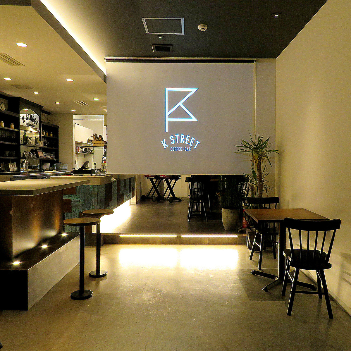 Store rental for 50 people up to 100 people ♪