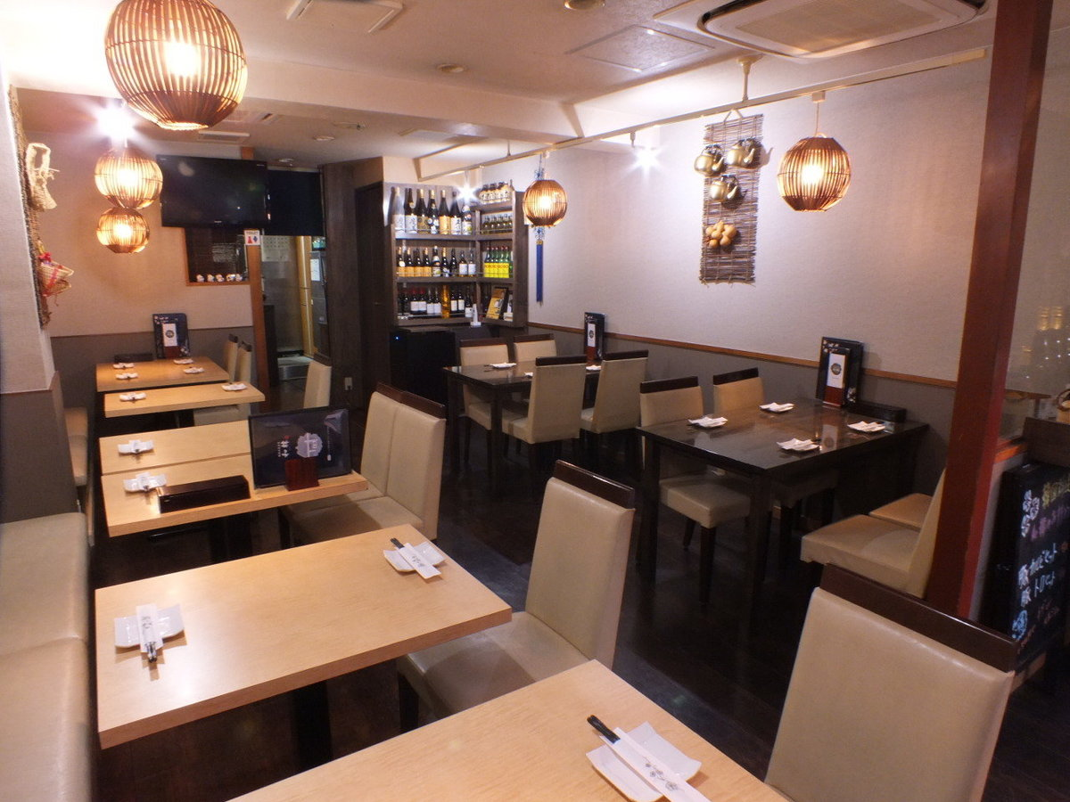 It is 2 minutes from Akabanebashi Station, within walking distance from Tokyo Tower and Azabujuban.