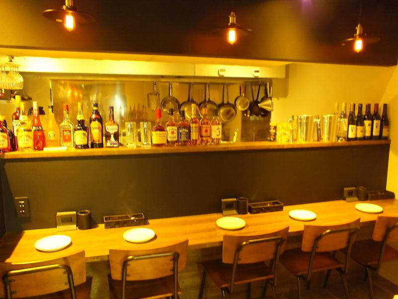 【Counter has 5 seats】 There are 5 seats in the counter seat, the kitchen is in front ♪ There is also a smell of cuisine and a sense of reality, and there is no doubt that appetite will increase!