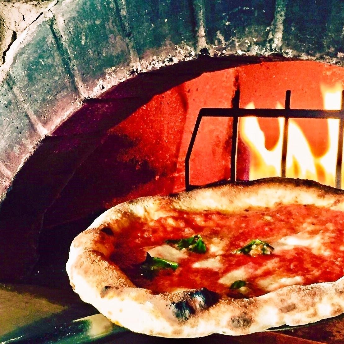 [Stone kiln × pizza] is outstanding!
