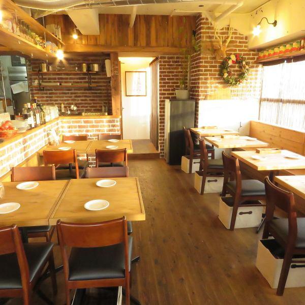 [表座位表或计数器与木材店和谐是意大利大放异彩!?好也能看到,它已经成为制作满足于吃♪表计数器所有25个座位的店☆
