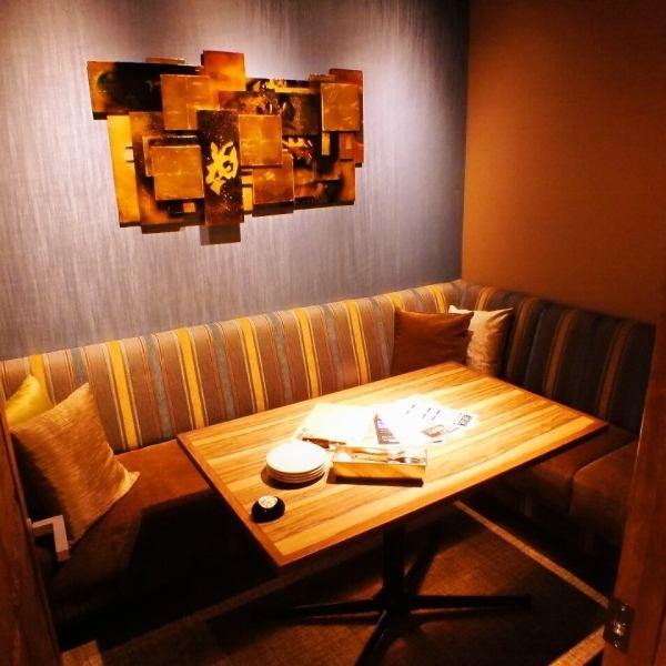 【ドア付き完全個室】オシャレなドア付きの完全個室7部屋、デートや女子会、接待に最適な空間です。