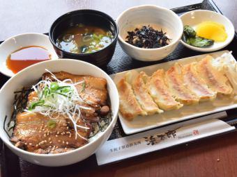 チャーシュー丼定食
