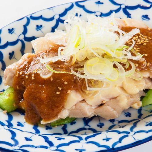 棒々鶏/蒸し鶏 ネギソース
