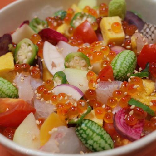 魚と野菜のバラちらし丼