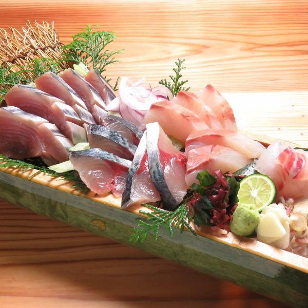 須崎直送!朝獲れの新鮮魚介や、高知といえば…の鰹タタキもあります!