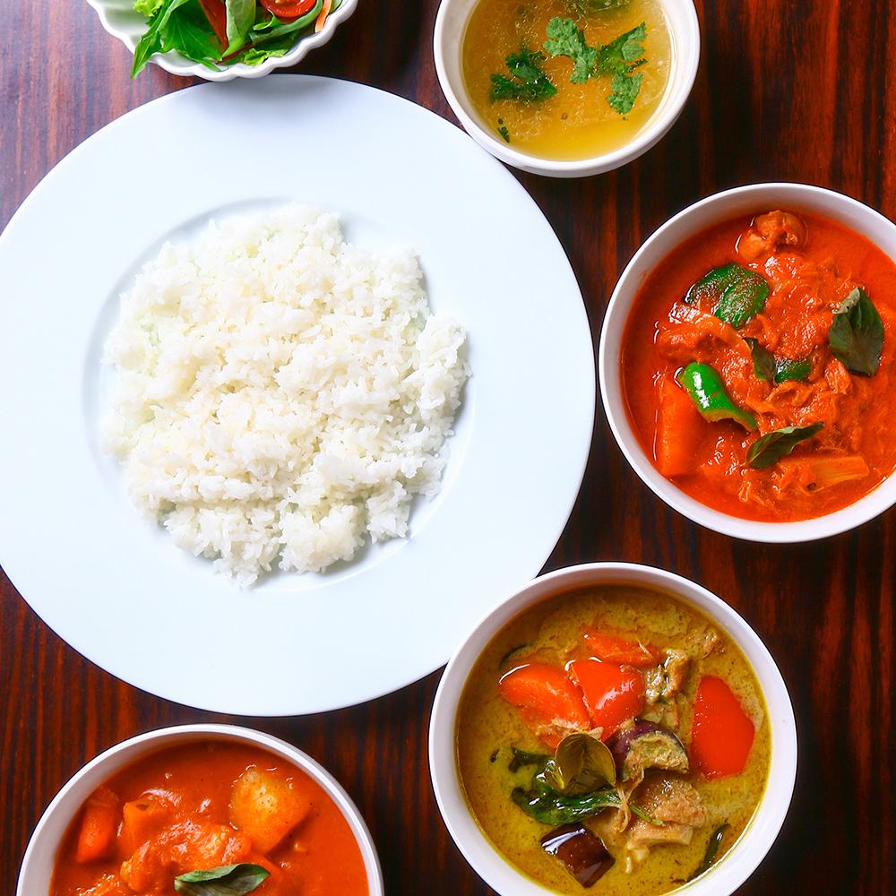 午餐供應正宗的泰國美食