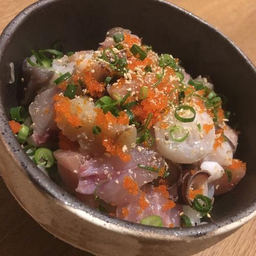 ばらちらし風海鮮丼