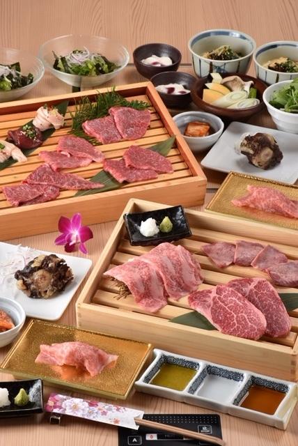 贅沢な焼肉コース料理満載