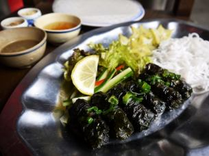 Grilled beef's wrapped leaf wrapped ~ Rice paper rolled ~