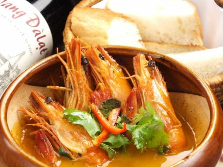 Tomuko - (headed shrimp of crab miso stew) with bucket