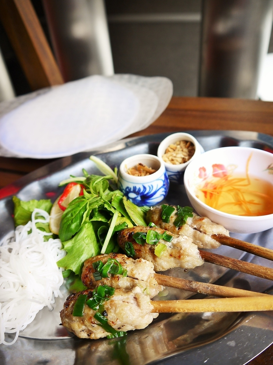 Baked chicken in Vietnam food stand ~ Rice paper roll ~