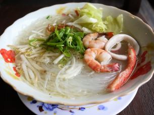 Mienna Hayan (seafood soup vermicelli)