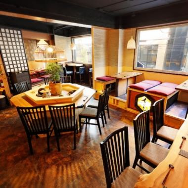 ◆ Ideal for banquets · girls' sociations · mama meetings ◎ inside a store with a stylish atmosphere based on Japanese.The table seat of the popular round table in the center is a must-have reservation ♪ The calm space which is a little away from the hustle and bustle of the station can be used in a wide range of scenes including the girls' association and mama party as well as of the family and friends group.We also accept the charter inside the store so please feel free to contact us ♪
