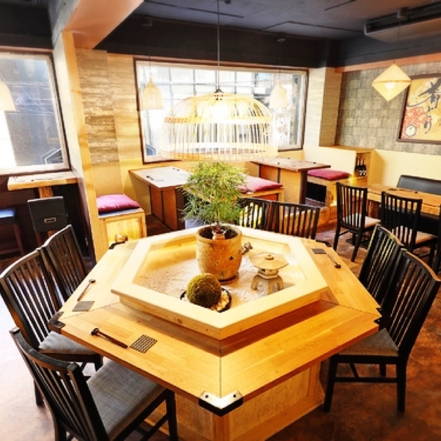 【Popular】 Round table table seat.You can use it in a wide range of scenes.