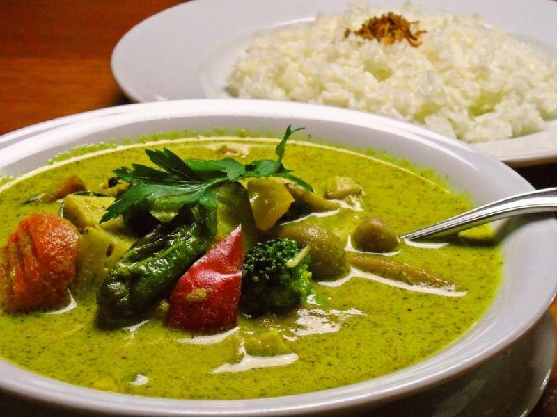 虾和蔬菜五谷咖喱