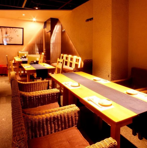 [5 people table seat × 1,2 people table × 2, the Japanese banquet of medium-sized ◎] you can enjoy a calm meal in an atmosphere of warm lighting and sum.Access Kiyamachi street is also excellent.We offer a table seating and counter seating.
