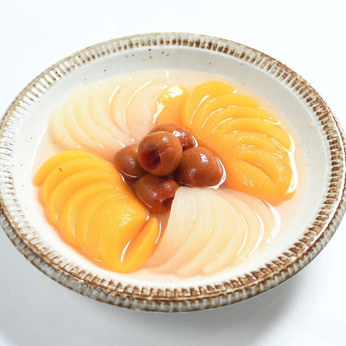 Pear and Yoshiko Kazuko