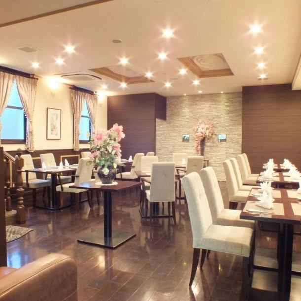 "【5-minute walk from Keihan Yodoyabashi <14 B>】 French restaurant ""Bon Bois"" located in accessible location You can dine in a calm and chic atmosphere.We can also charter from 16 people on weekdays.We will respond according to your budget even on sun and celebration, so please do not hesitate to consult us."