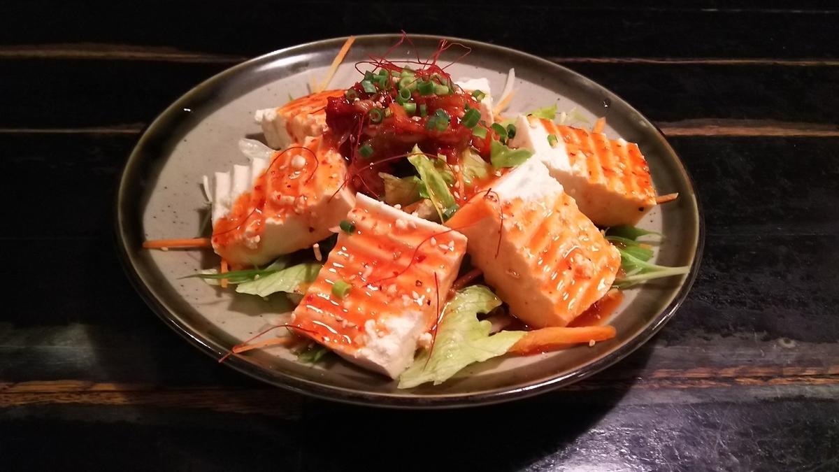 ちょっと辛い豆腐サラダ