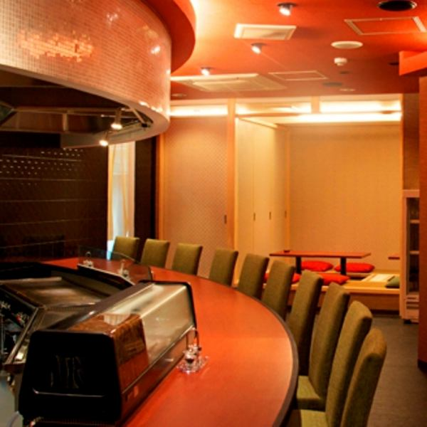 Bake the skewers carefully in front of you with a tasteful counter seat.Also recommended for dating and entertainment ♪