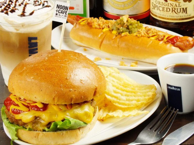 ハンバーガー/ホットドッグ