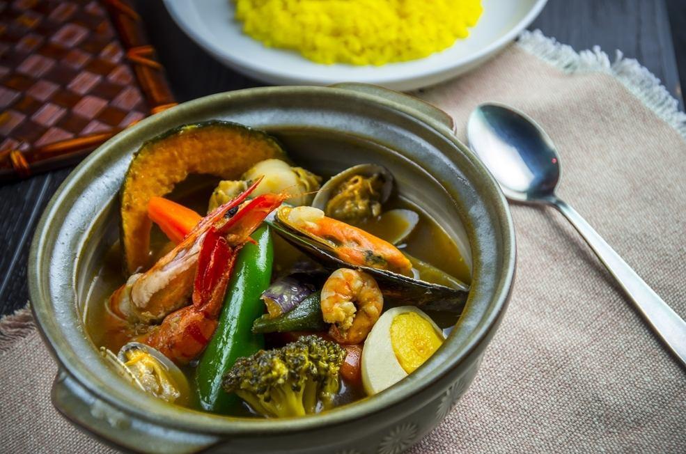 土鍋で煮込む野菜のうまみたっぷりスープカレー!味にこだわりと自信あり!