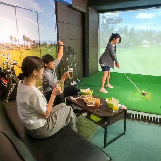 完全個室のシュミレーションゴルフ4ルーム左打席有初心者の方無料でレッスン致します