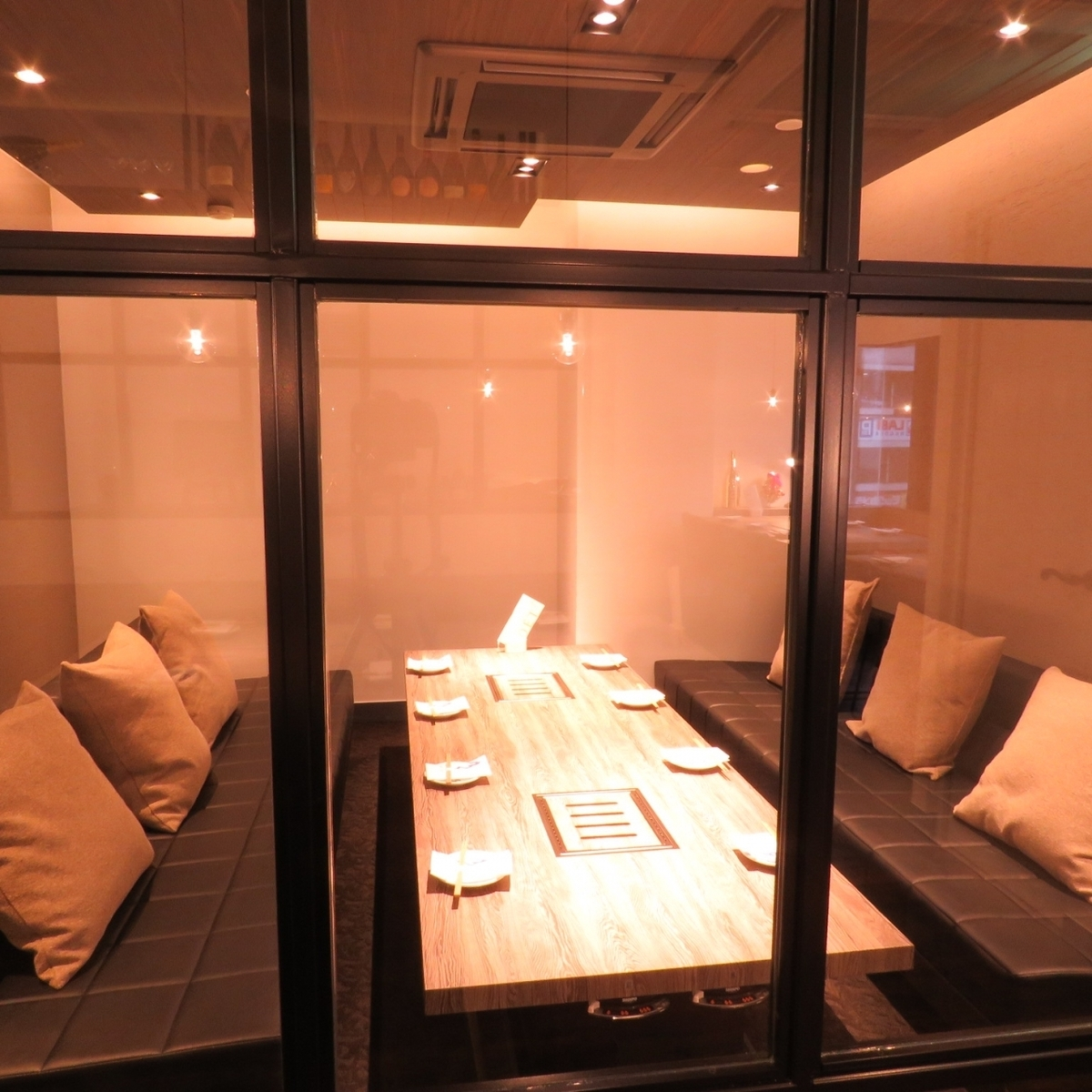 A private room for relaxation is also available ♪