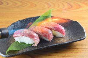 山形牛炙り寿司(3貫)
