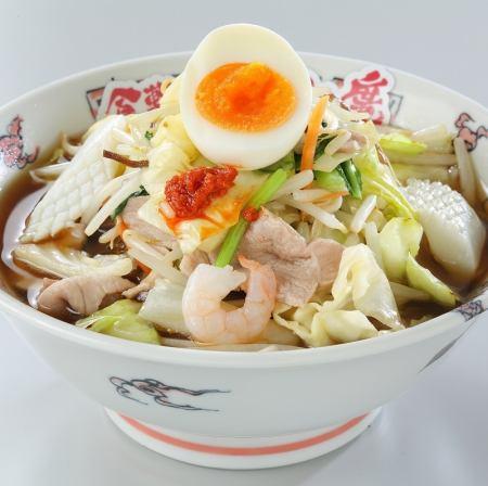 シャキシャキ野菜と旨みたっぷりスープ、こだわりの麺で作った【醤油/塩】タンメン