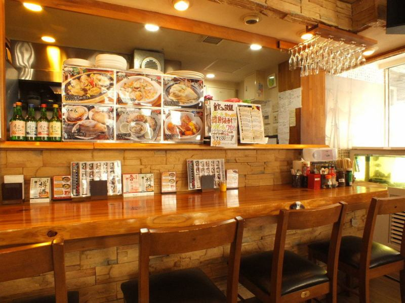 Perfect for one person or a small number of customers Recommended counter seat! In large monitors popular Korean style MV flows, K-pop fans and those who do not like can certainly have fun Mistake pear ♪ In the back We also have private rooms that can accommodate up to 8 people, so we are waiting for your early reservation when using it!