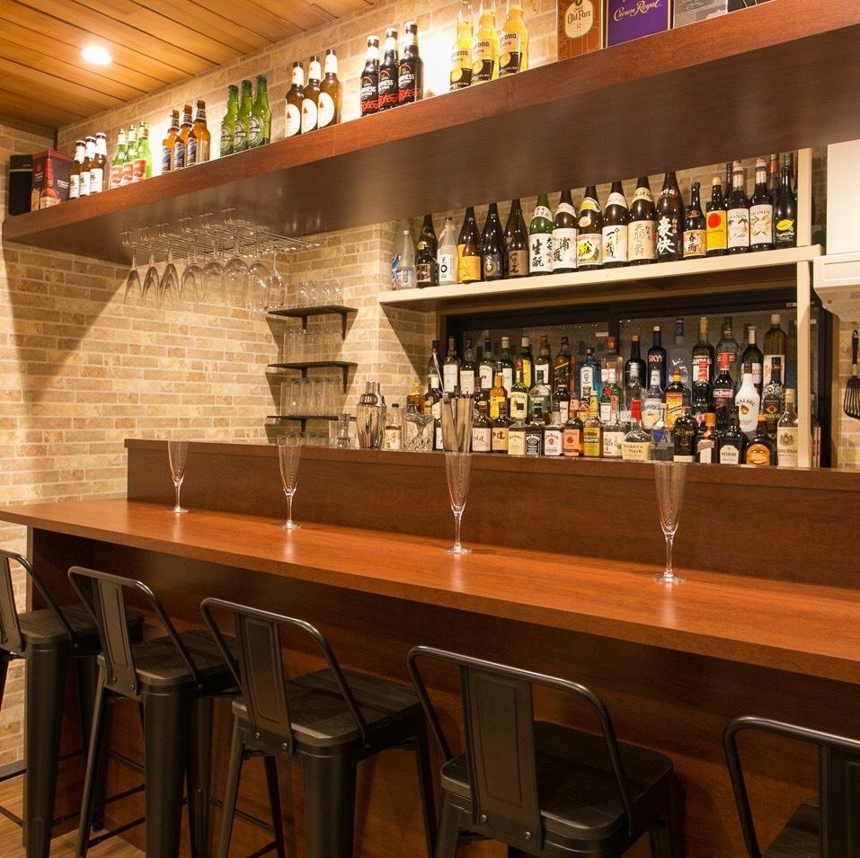 受欢迎的柜台座位有5个座位。如果您愿意,请在预订时告知我们!
