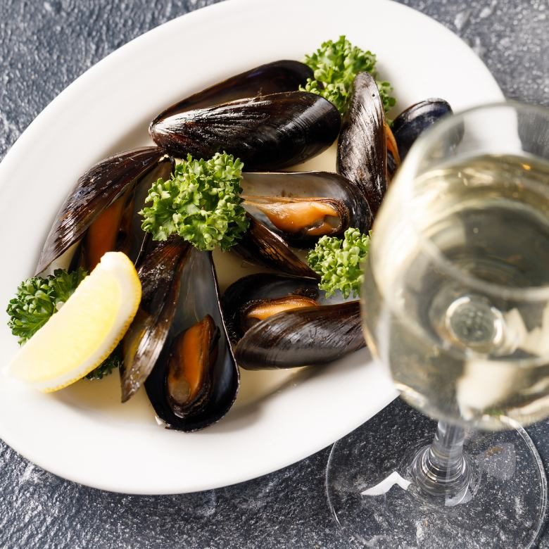 Steamed mussels with liquor