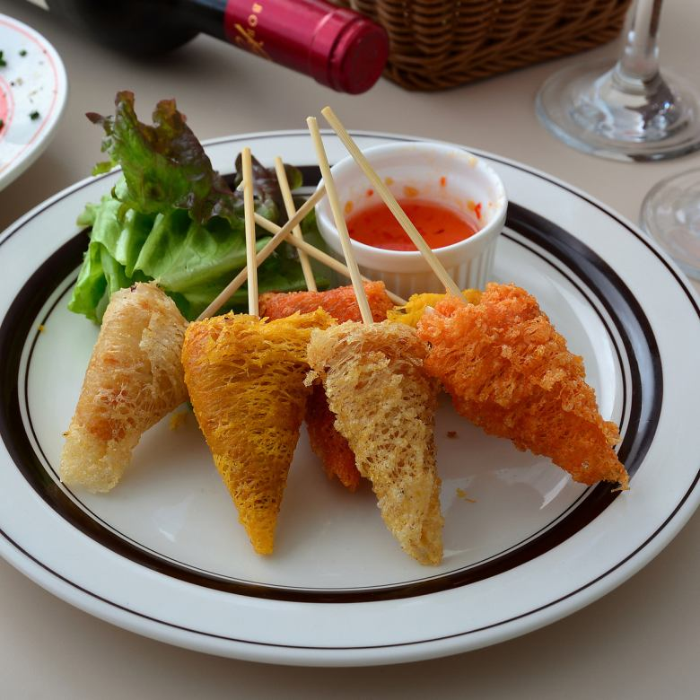 Deep-fried spring roll of scallops